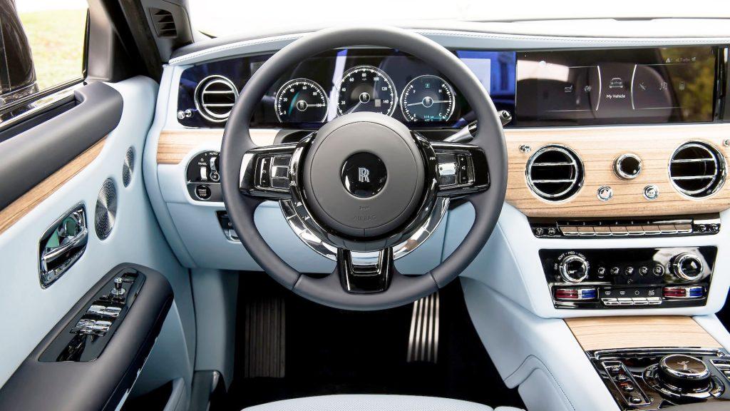 Новый Rolls-Royce Ghost, передняя панель