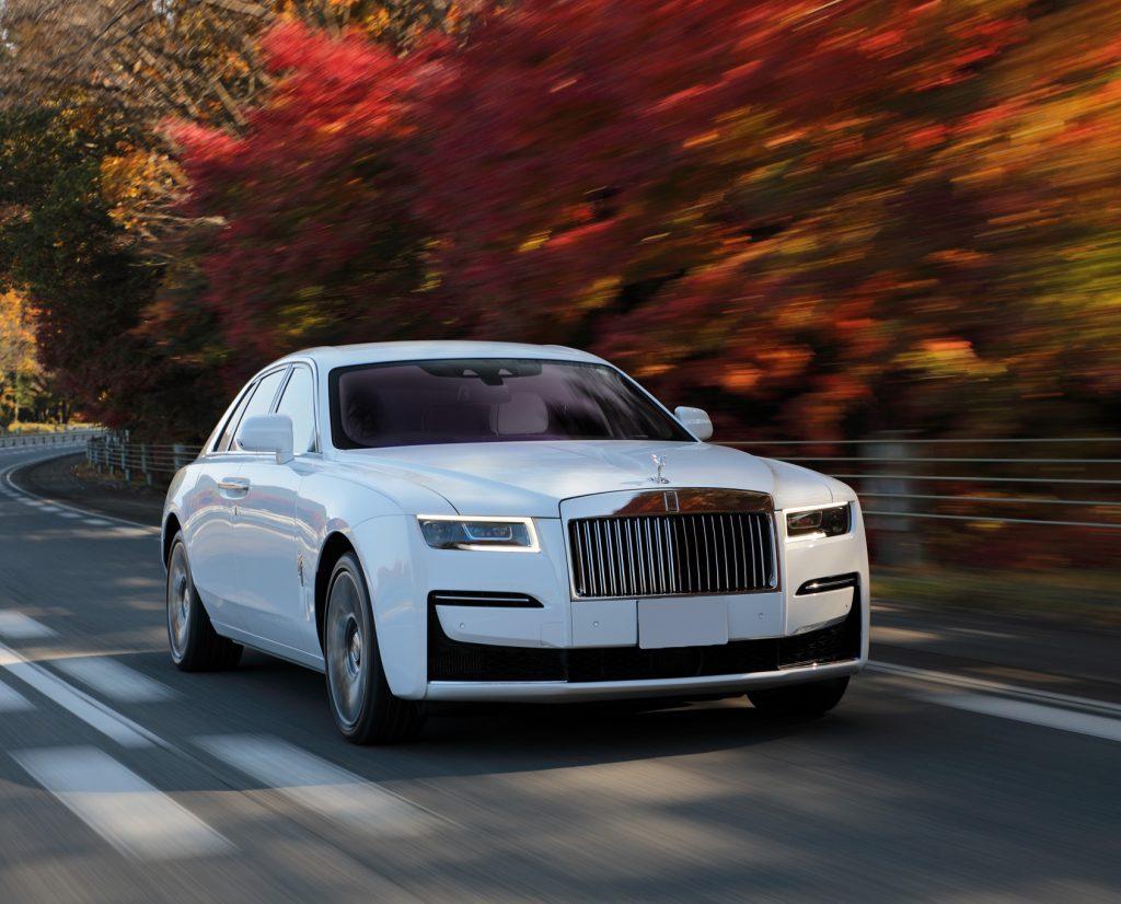 Rolls-Royce Ghost 2021, вид спереди