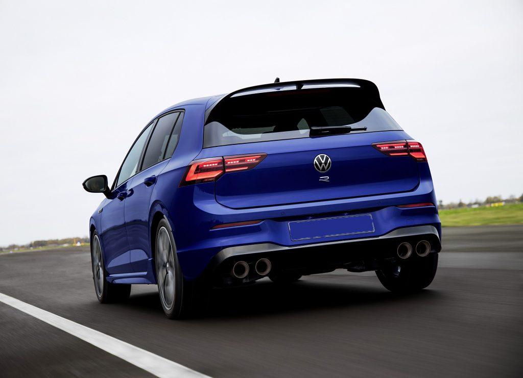 Volkswagen Golf R 2021, вид сзади