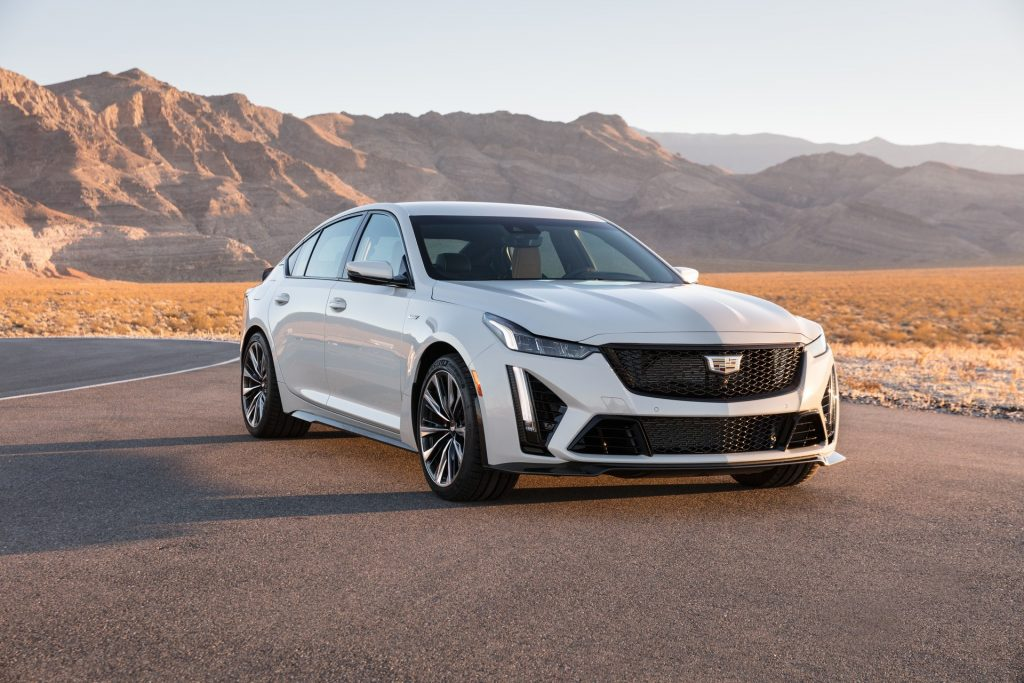 Cadillac CT5-V Blackwing 2021, вид спереди