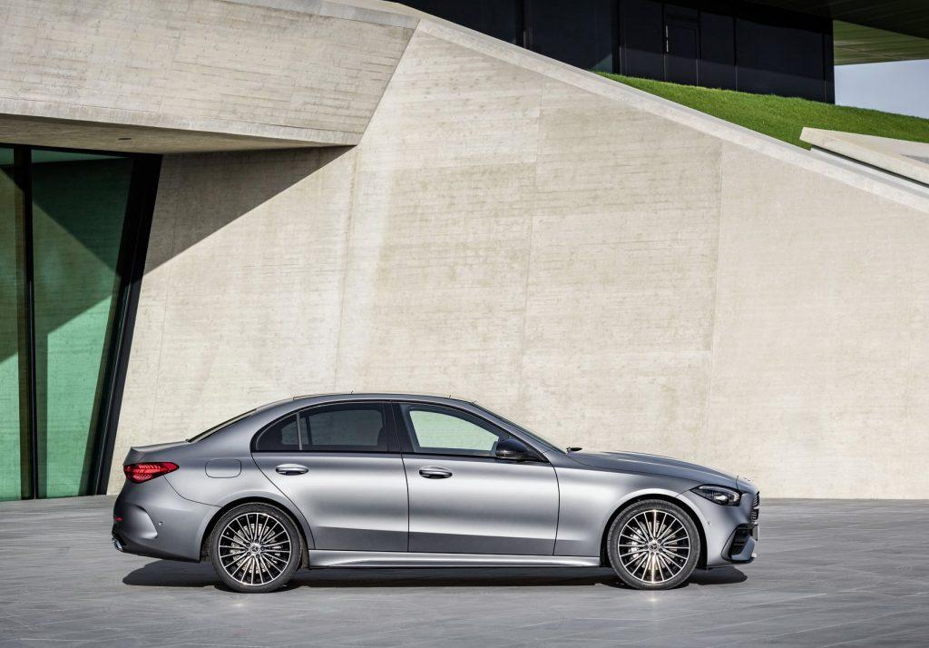 Новый Mercedes-Benz C-Class W206, вид сбоку