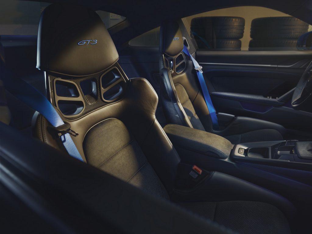 Новый Porsche 911 GT3, сиденья