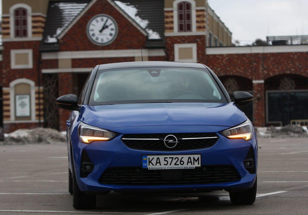 Opel Corsa 2021, вид спереди