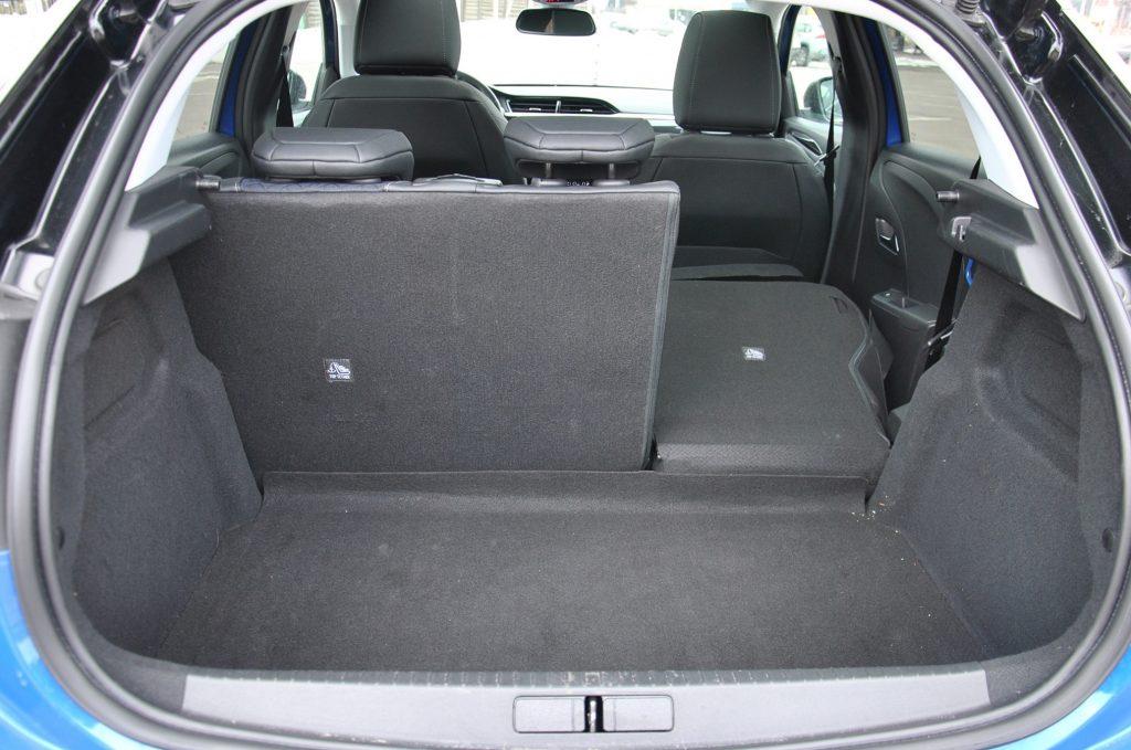 Opel Corsa 2021, багажник