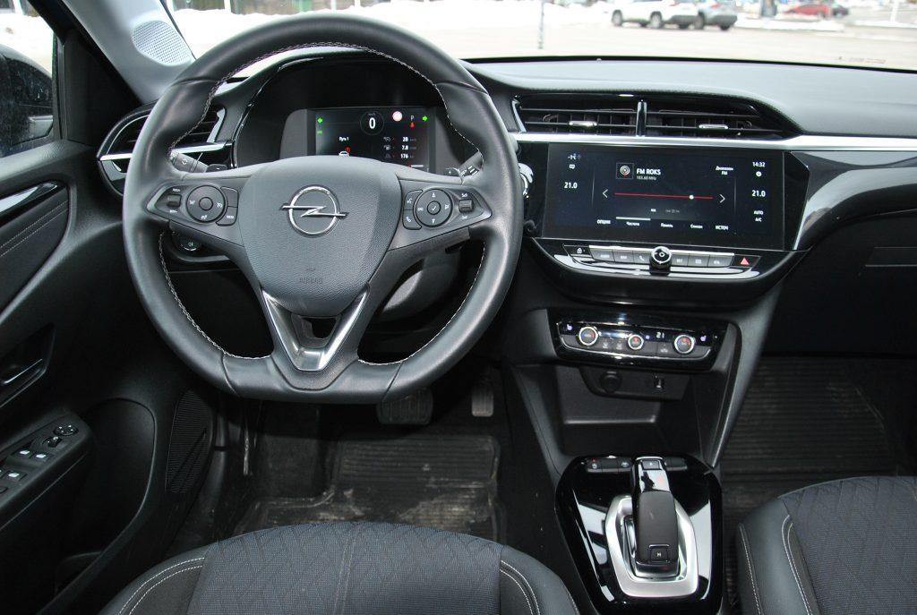 Новый Opel Corsa, передняя панель