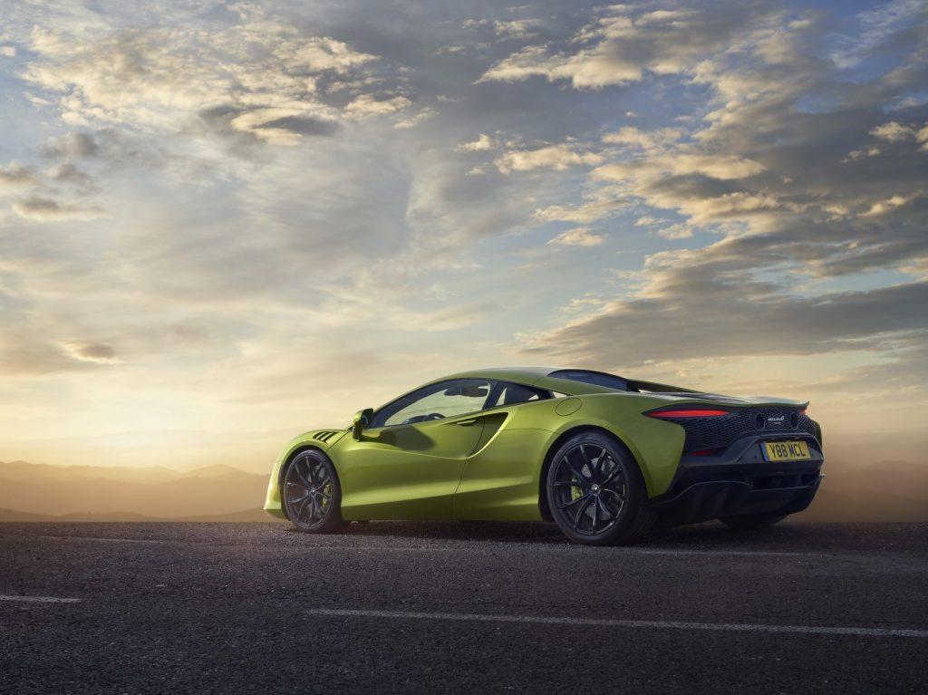 McLaren-Artura-24-PHEV-CarScoops
