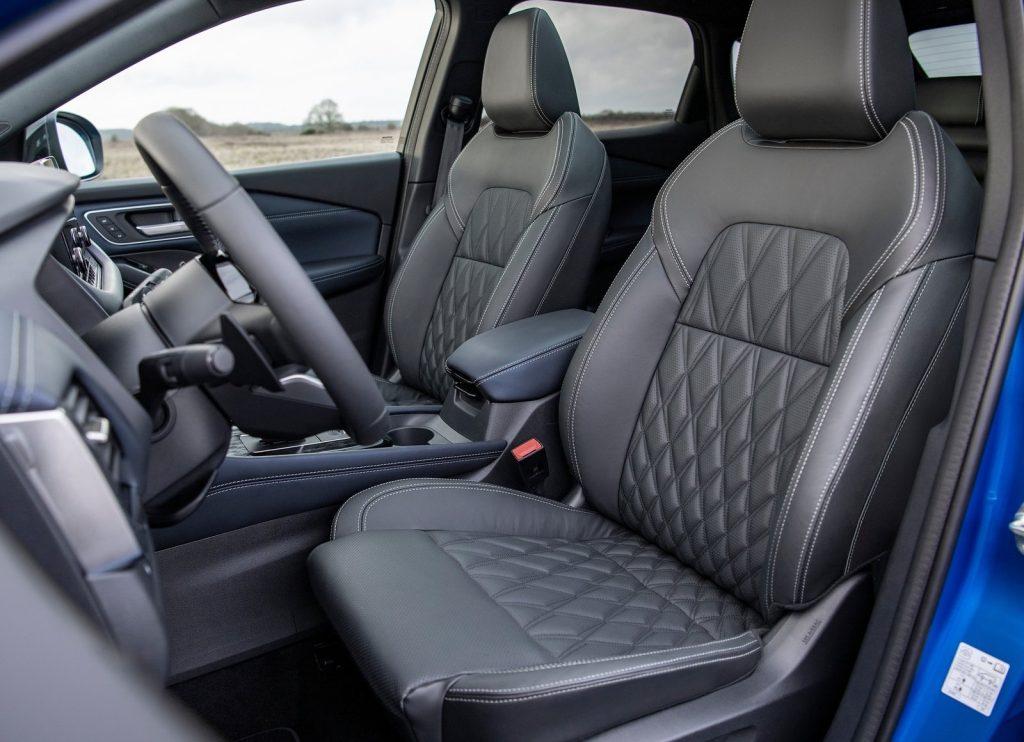 Новый Nissan Qashqai, передние сиденья