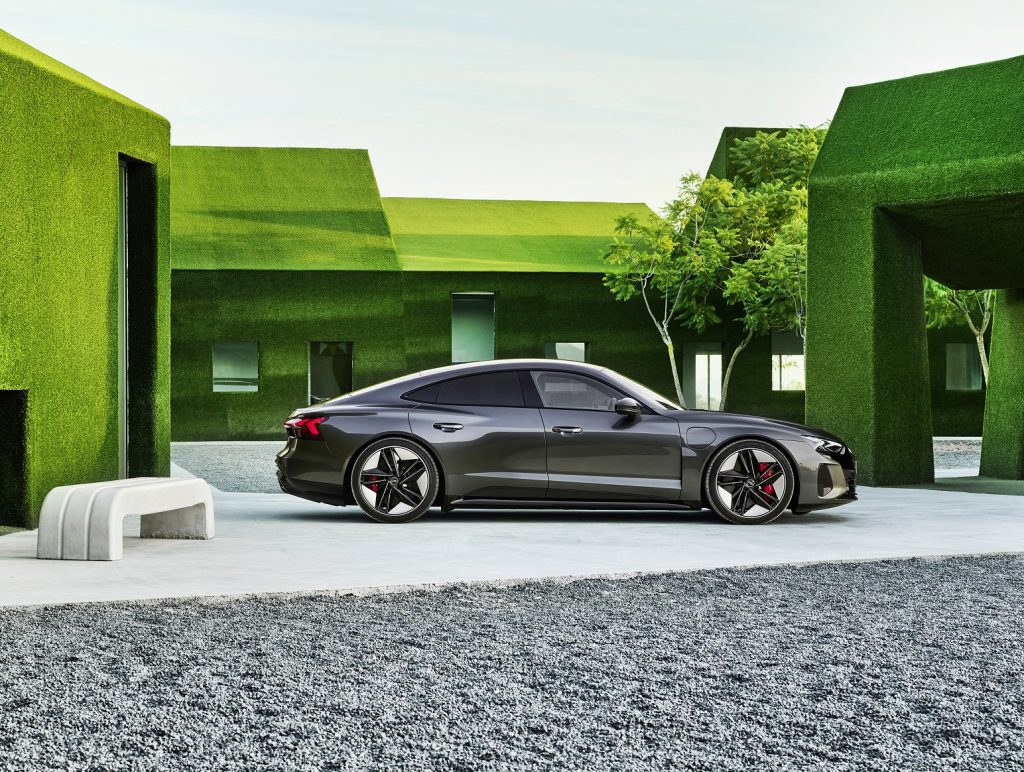Audi e-tron GT 2021, вид сбоку