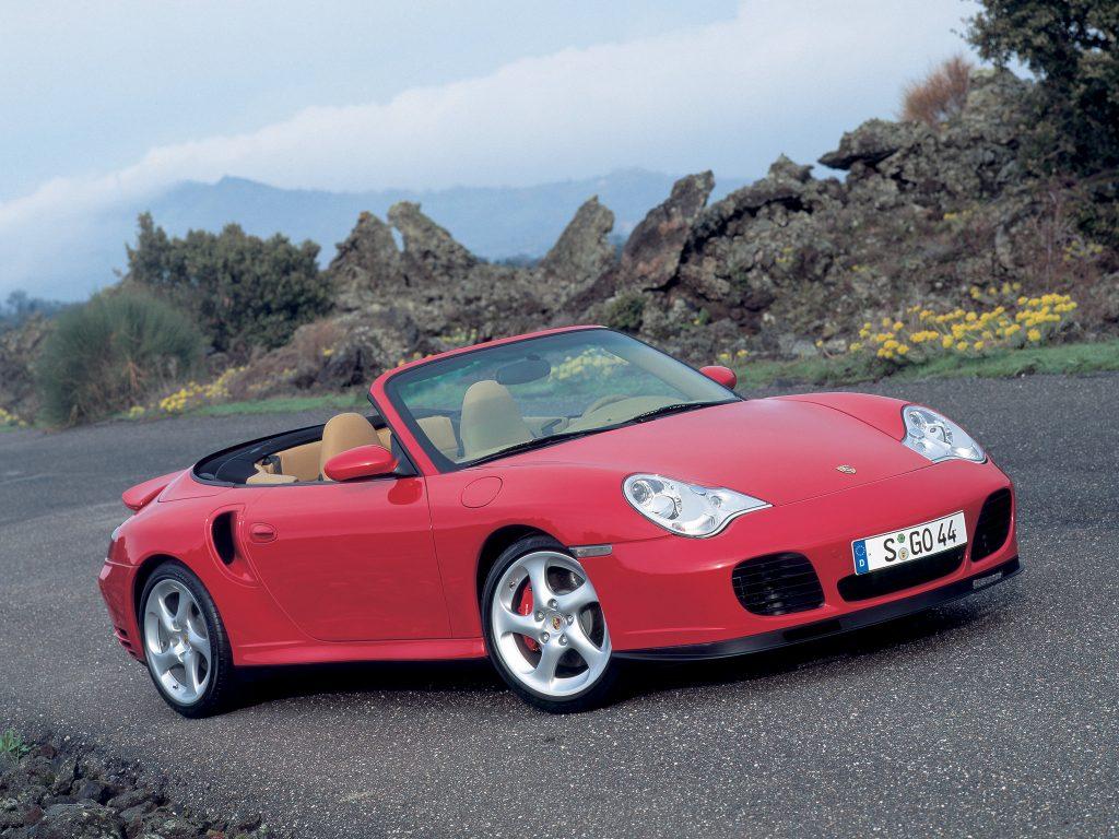 Кабриолет Porsche 911 Turbo 2000 года