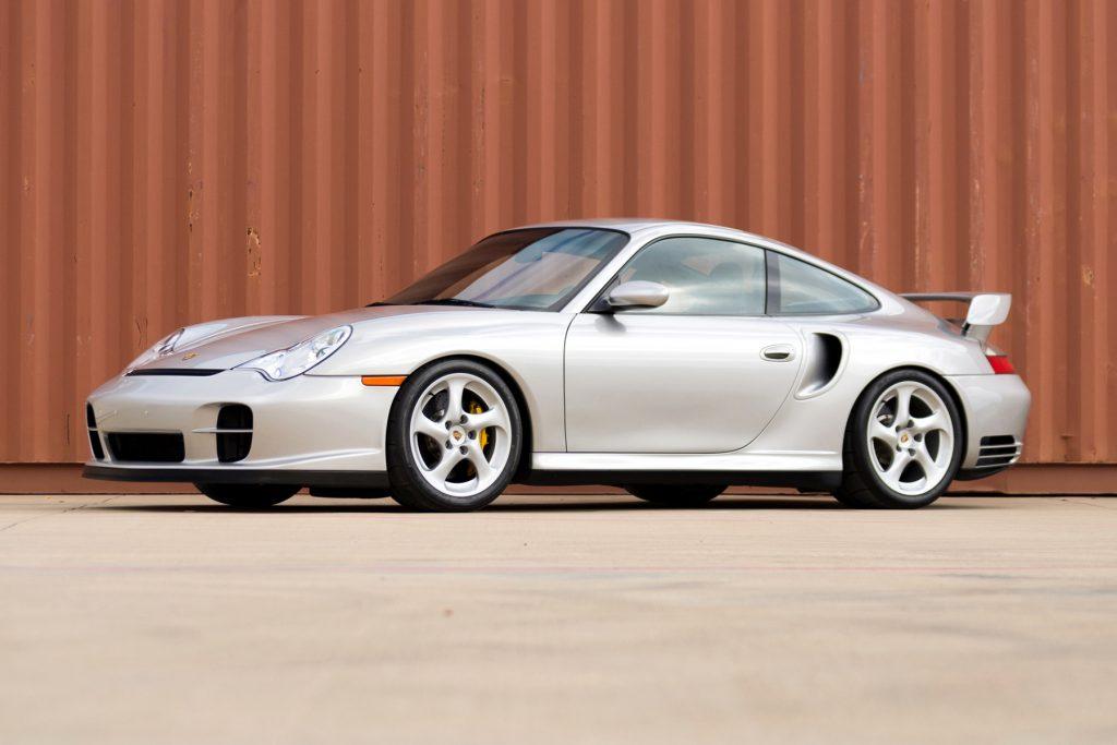 Porsche 911 GT2 2000 года первым в мире получил карбоново-керамические тормоза