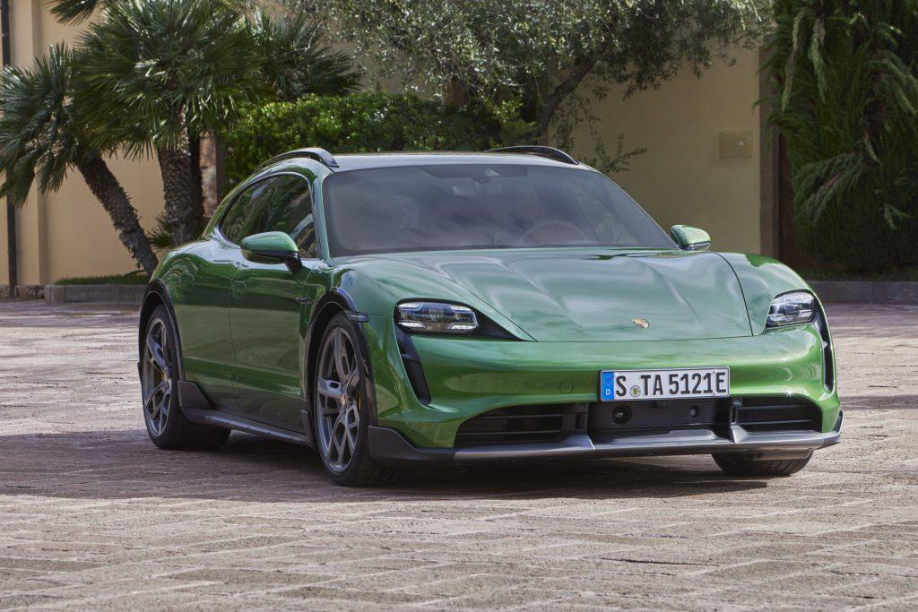 Porsche Taycan Cross Turismo 2021, вид спереди