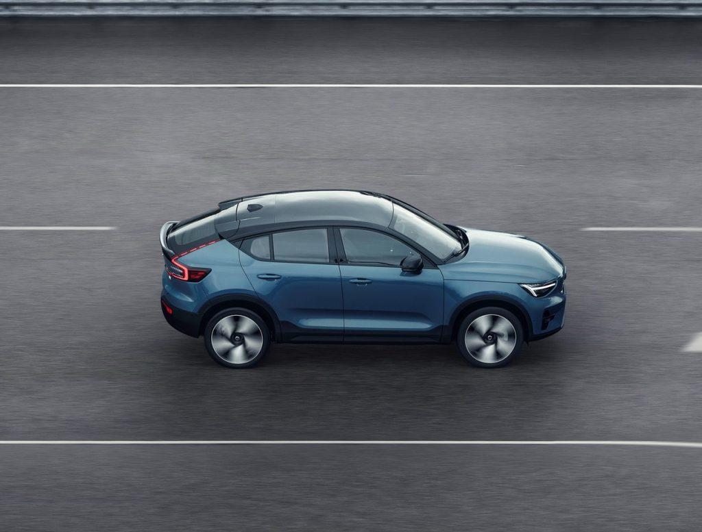 Volvo C40 Recharge 2021, вид сбоку