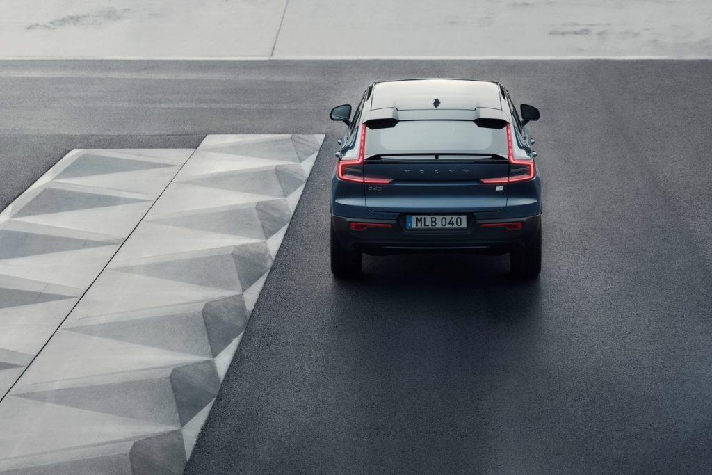 Volvo C40 Recharge 2021, вид сзади