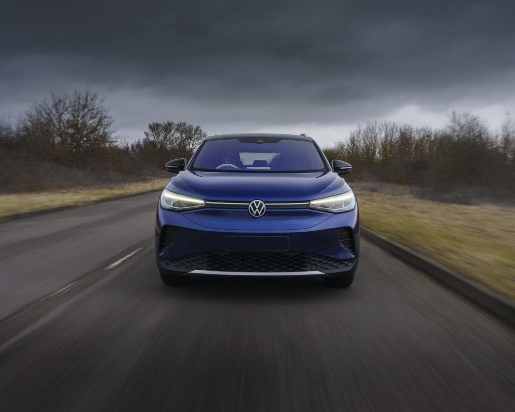 Volkswagen ID.4 2021, вид спереди