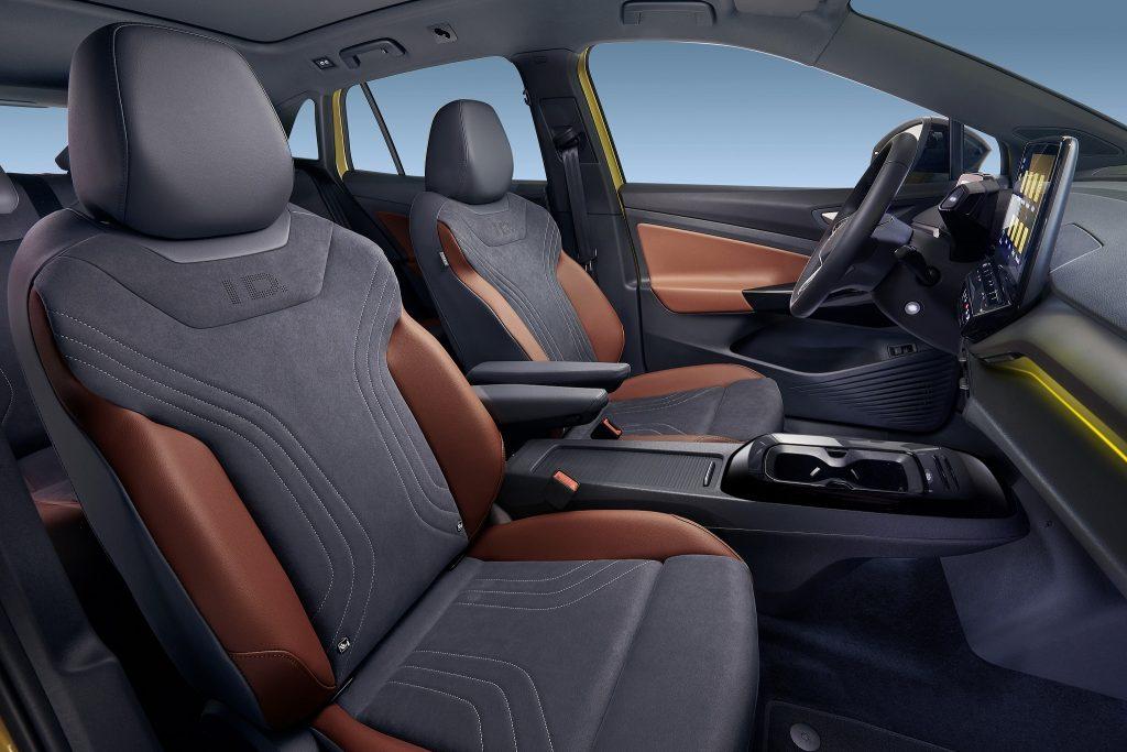 Volkswagen ID.4 2021, передние сиденья