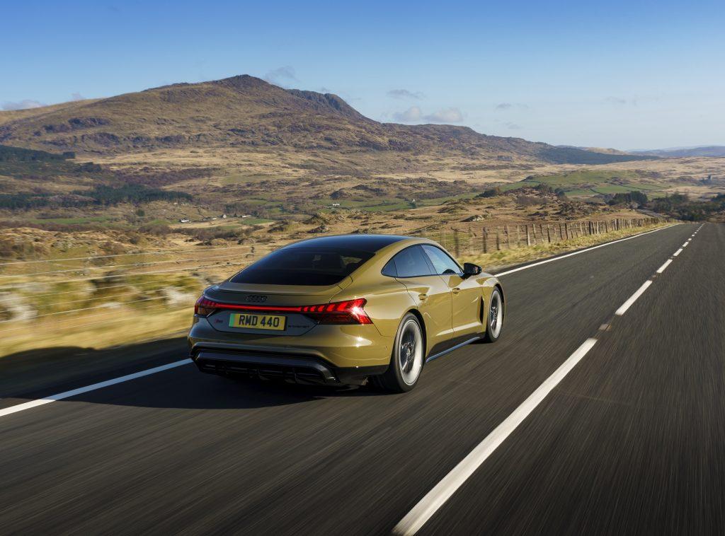 Audi e-tron GT 2021, вид сзади