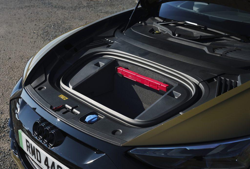 Audi e-tron GT 2021, передний багажник