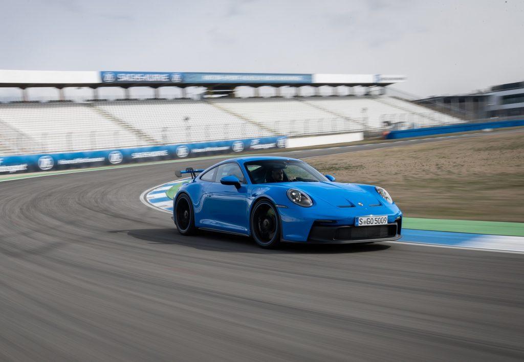 Porsche 911 GT3, вид на переднюю диагональ