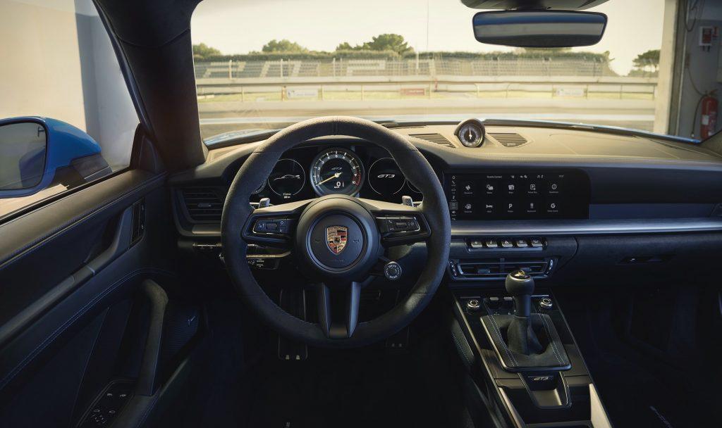Porsche 911 GT3 2021, передняя панель