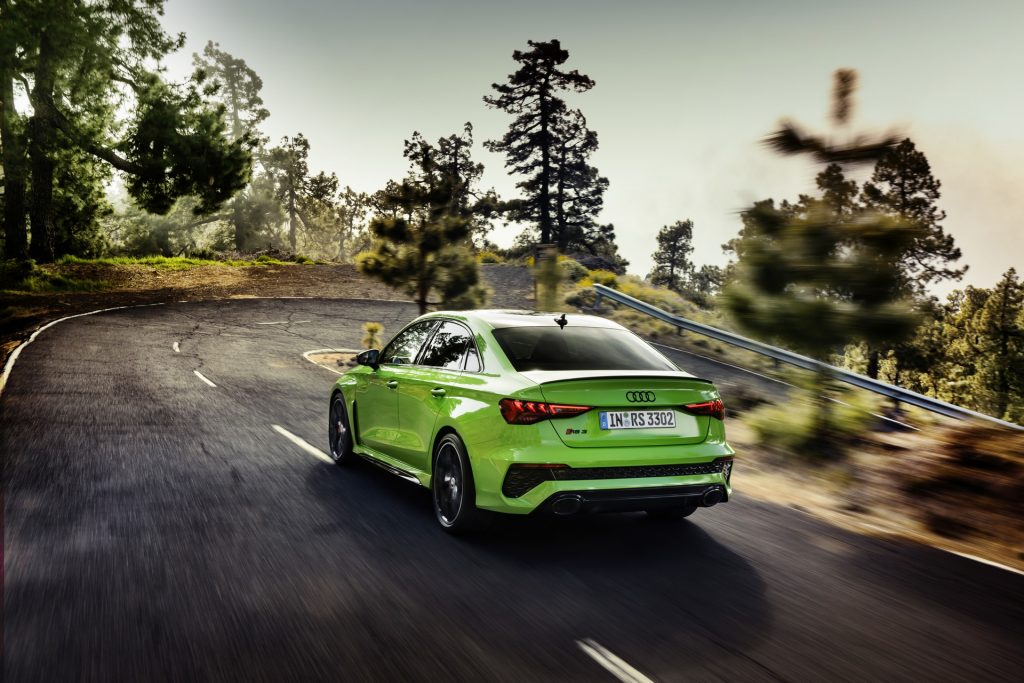 Audi RS3 2021, вид сзади