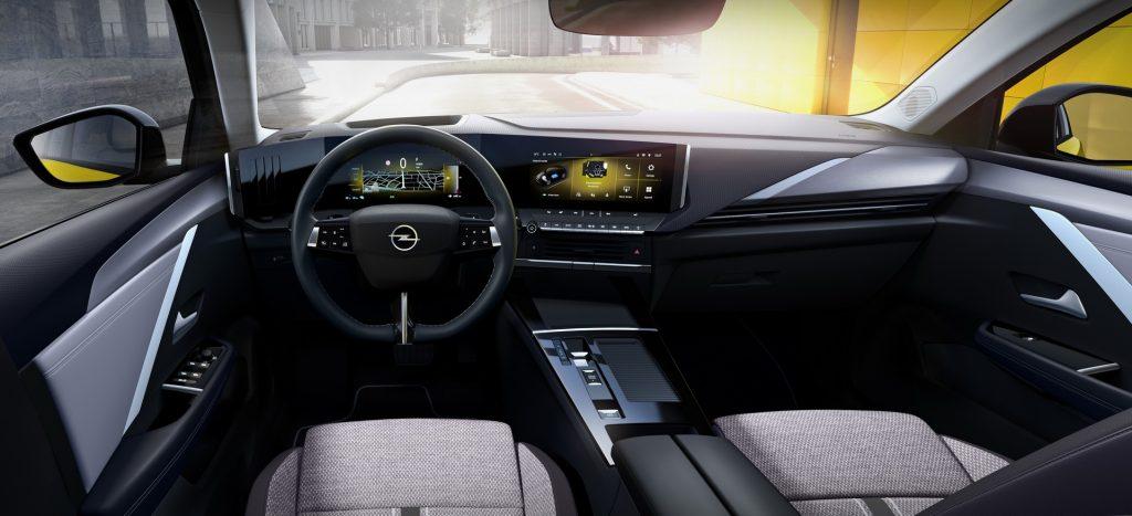 Новый Opel Astra, передняя панель