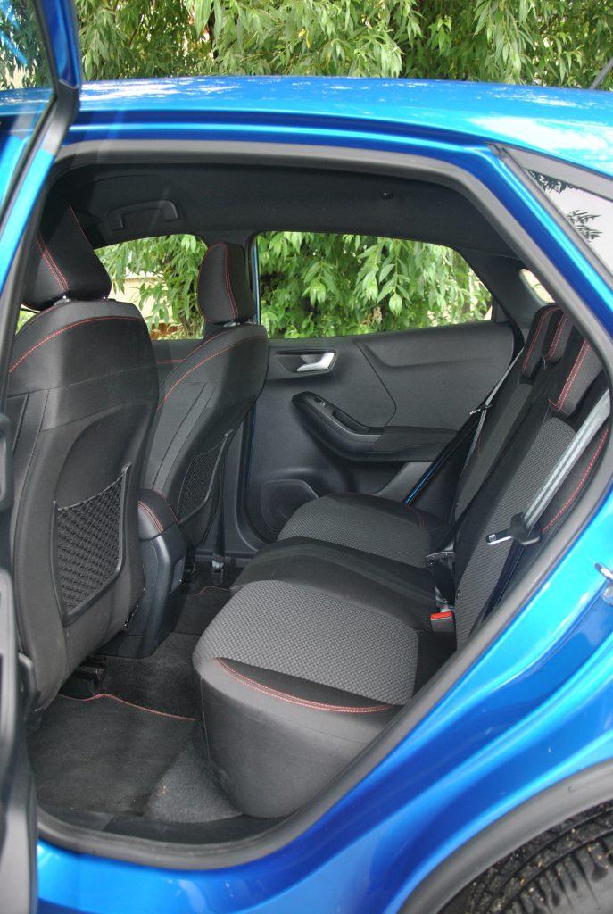 Новый Ford Puma, задние сиденья