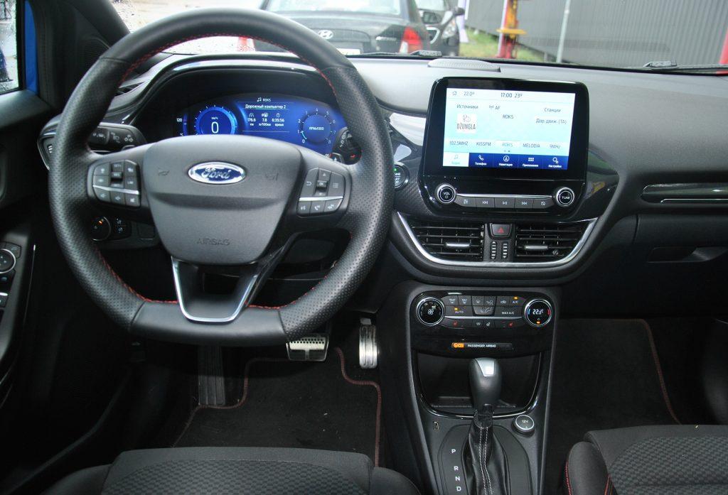 Ford Puma 2021, передняя панель