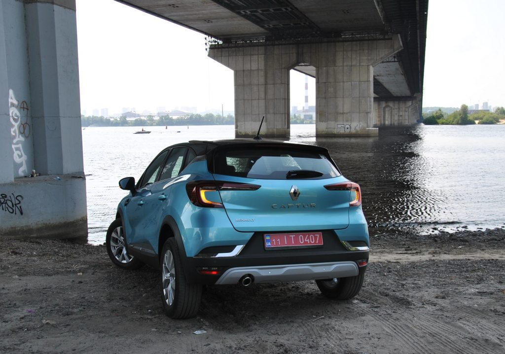Renault Captur 2021, вид сзади
