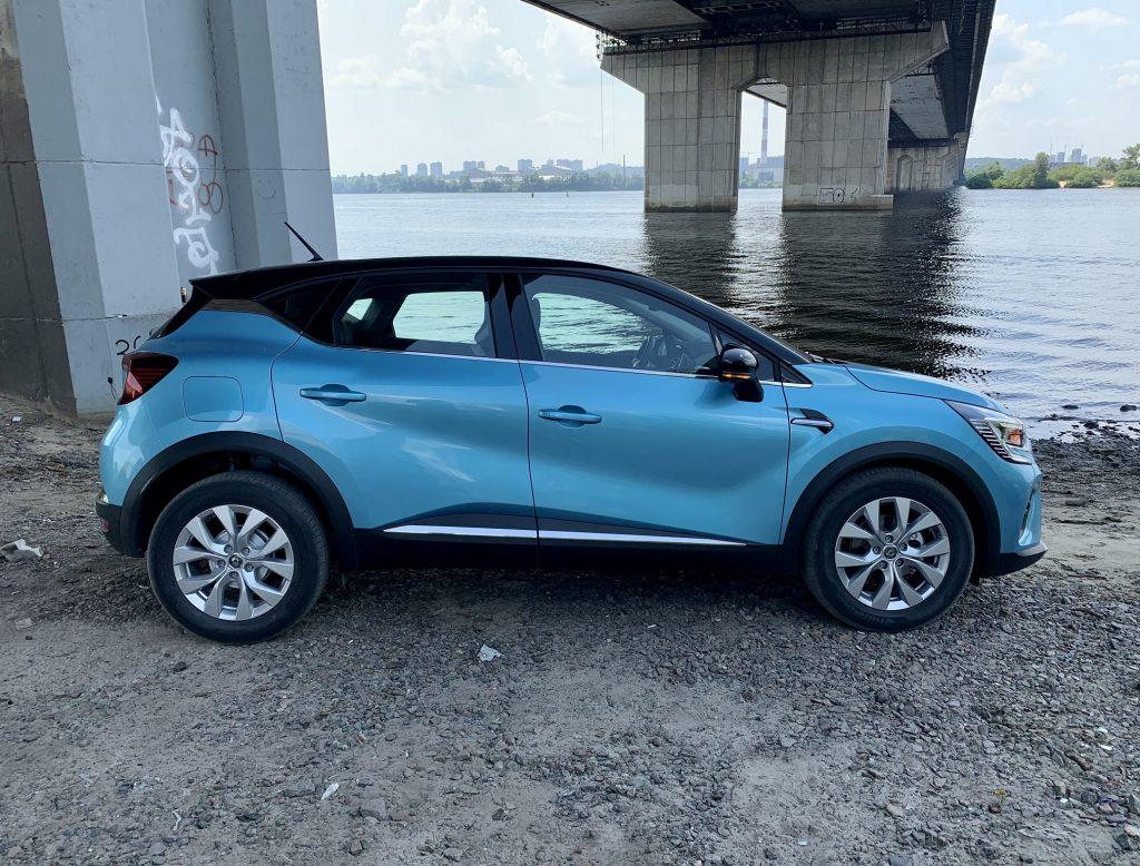 Renault Captur 2021, вид сбоку