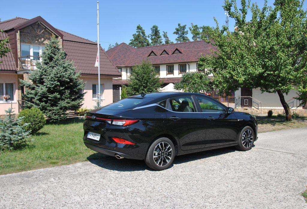 Тест-драйв JAC J7: много автомобиля по разумной цене