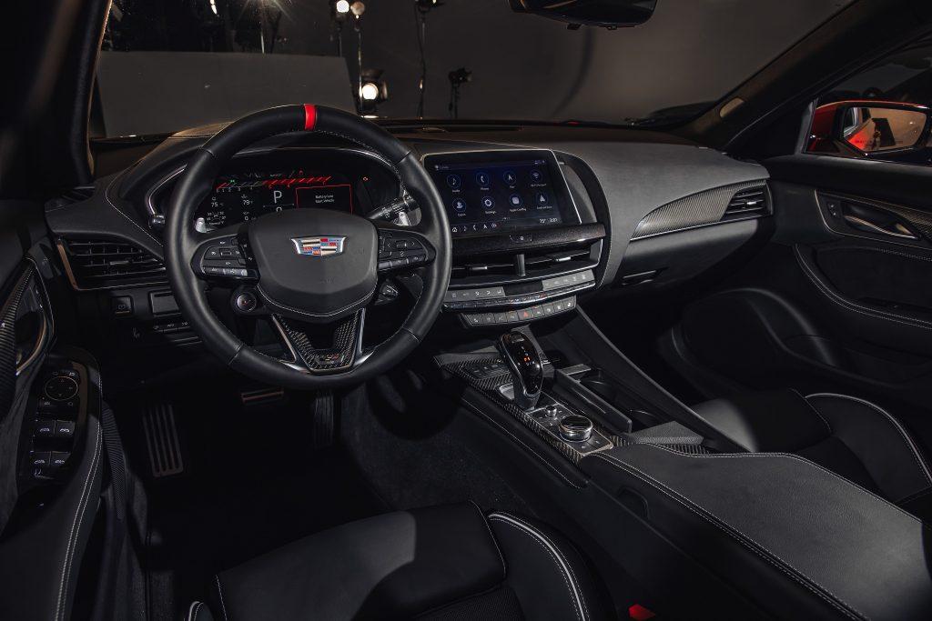 Cadillac CT5-V Blackwing 2021, передняя панель